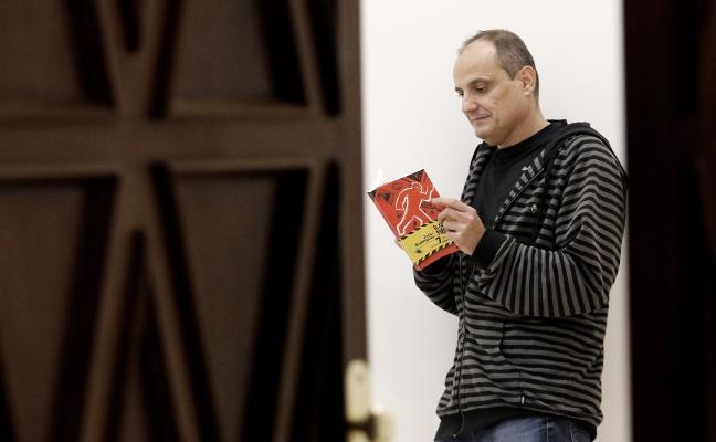 «Mi novela muestra que aún hay esperanza, aunque poca»