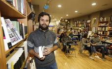 El escritor asturiano Xaime Martínez obtiene el Premio Nacional de Poesía Joven