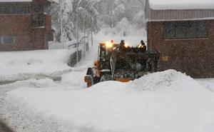 La mayor acumulación de nieve de la última década en el Huerna