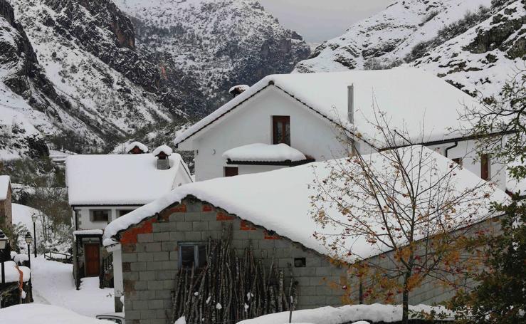 Las espectaculares imágenes que deja la nieve en Somiedo