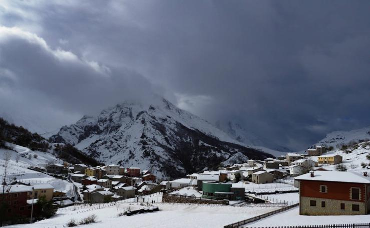 Las impresionantes imágenes de las nevadas en Asturias