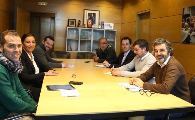 Cangas insta al Principado a trabajar como «aliados» para mejorar el Parque de Picos