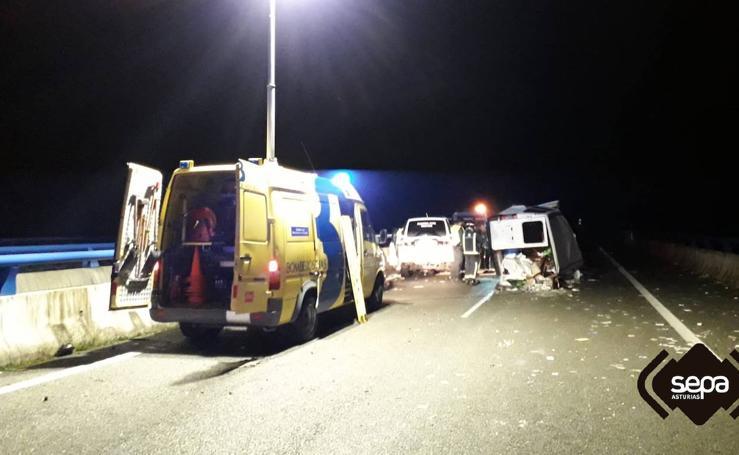 Cinco heridos en un accidente en la A8 en Llanes