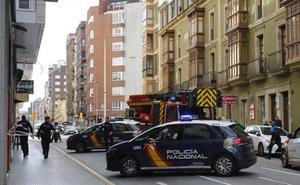 Un hombre se precipita a la calle desde un sexto piso en Gijón