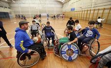150 alumnos de Oviedo celebran el Día de la Discapacidad con «paralímpicos de élite»