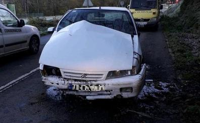 Un hombre de 71 años resulta herido en un accidente de tráfico en Brieves, en Valdés