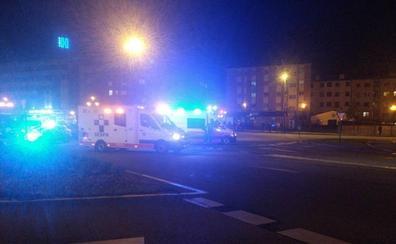 Dos heridos en un accidente entre una moto y un turismo en Oviedo