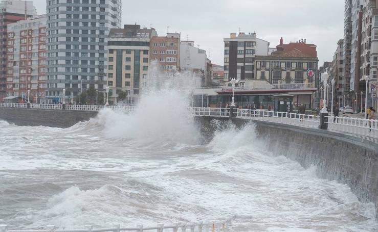 Asturias, en alerta por fuerte oleaje