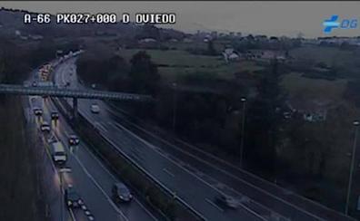Un accidente provoca retenciones en los accesos a Oviedo por la 'Y'