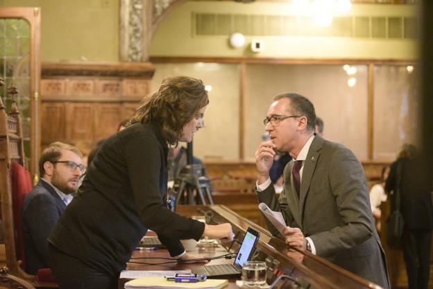 ¡Peligro! han hablado de primaria en el parlamento y ahí está La Camocha