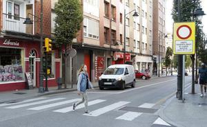 Detienen a un hombre en Gijón por robar en una tienda de animales y golpear a los policías