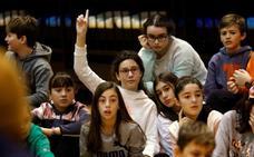 Encuentro escolar con jugadores del Oviedo Baloncesto