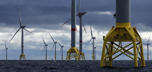 Parque eólico de Iberdrola en la costa alemana. / E. C.