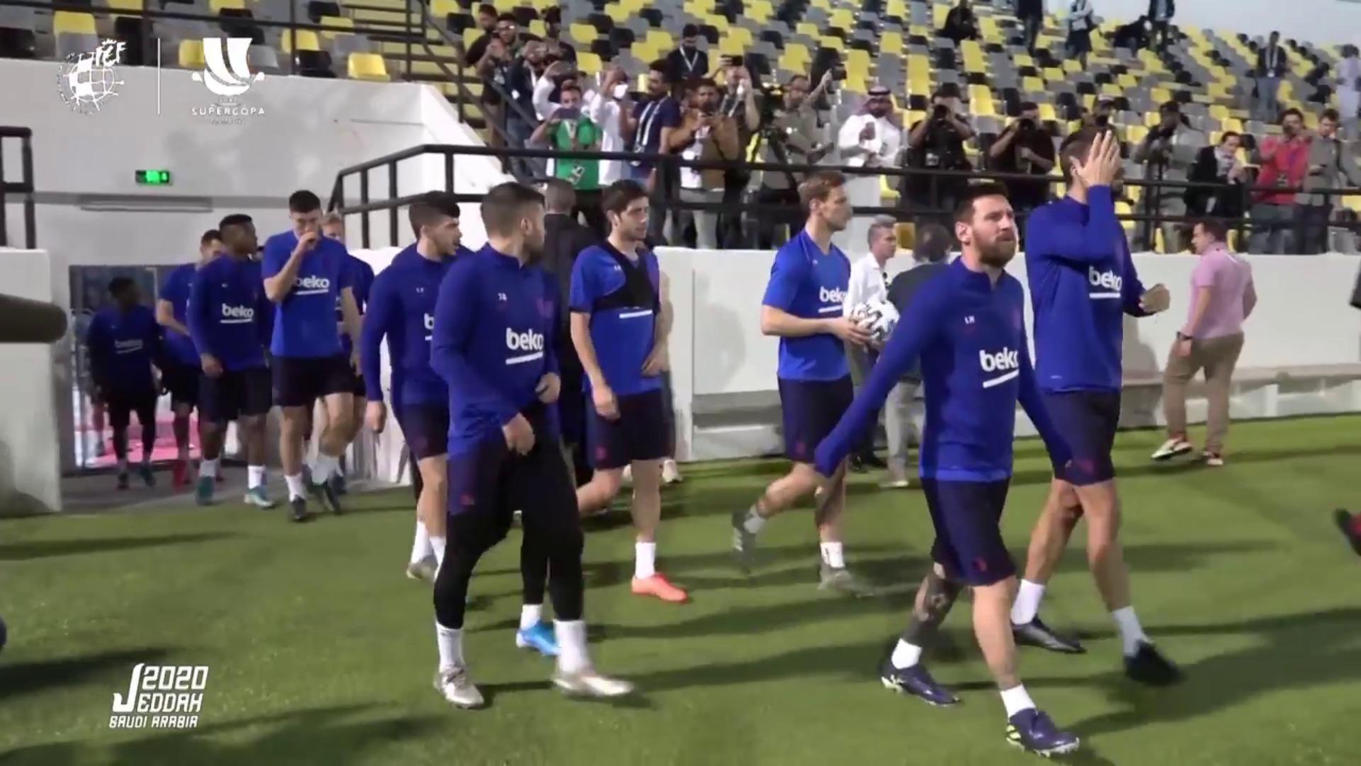 Messi confirma una reducción salarial y que ayudarán a los empleados