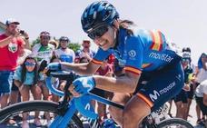 La campeona de España de ciclismo, a punto de ser atropellada e insultada al grito de «española de mierda»