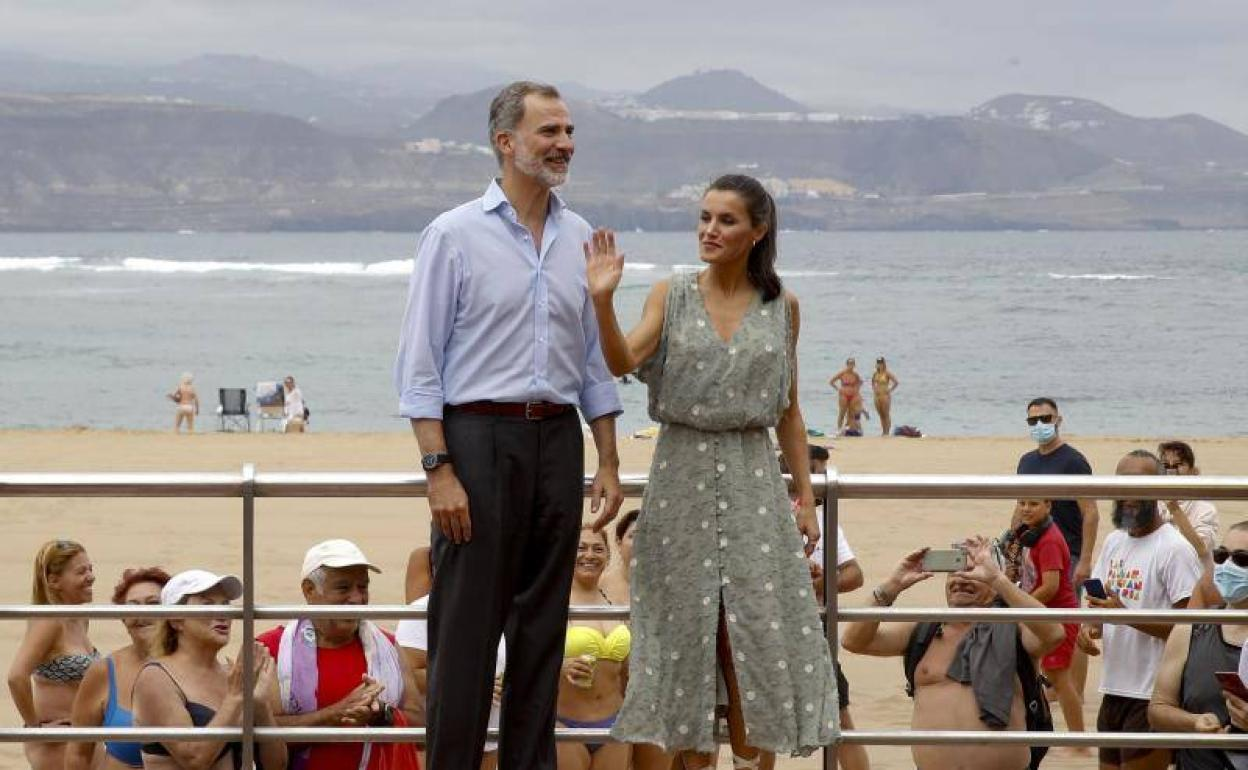La Respuesta De La Reina Cuando Le Compararon La Playa De Las Canteras Con Ribadesella El Comercio