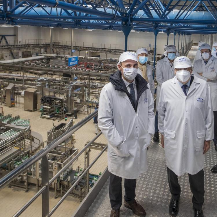Planas asegura que el modelo agrario asturiano tendrá encaje en la nueva PAC