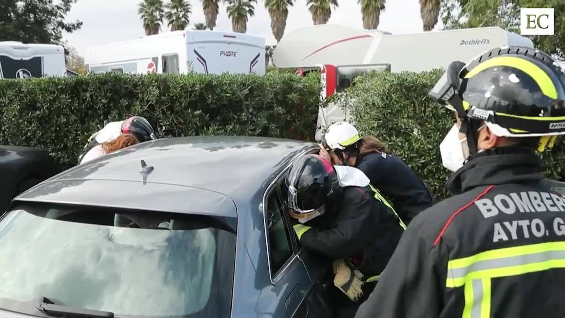 Una menor atrapada en el interior de un vehículo en el parking de caravanas de El Rinconín