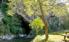Ruta el Porrón de Peña Blanca desde Cueva Deboyu