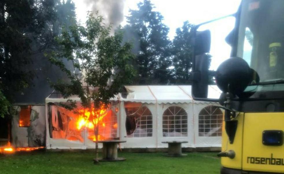 Incendio en el bar del área recreativa de Anleo