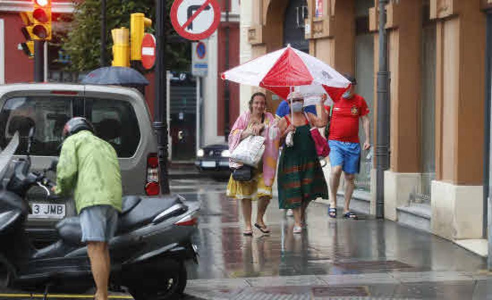 Asturias recibirá agosto abriendo el paraguas