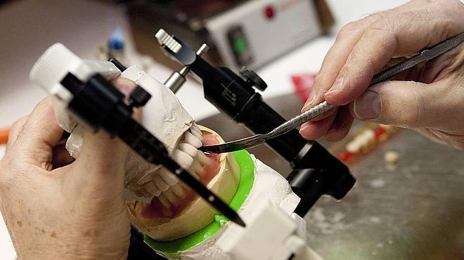 Prótesis dentales sin controles de calidad