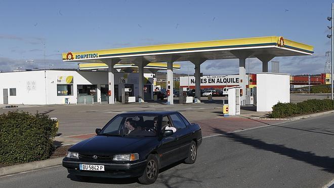 El precio de la gasolina baja y rompe niveles máximos