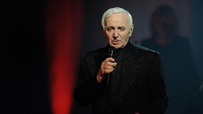 Aznavour festeja sus 90 años