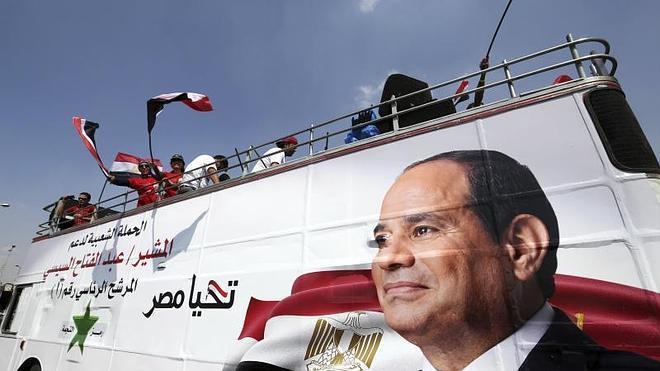 El 'invisible' Al-Sisi cierra la campaña pidiendo a Egipto una participación masiva