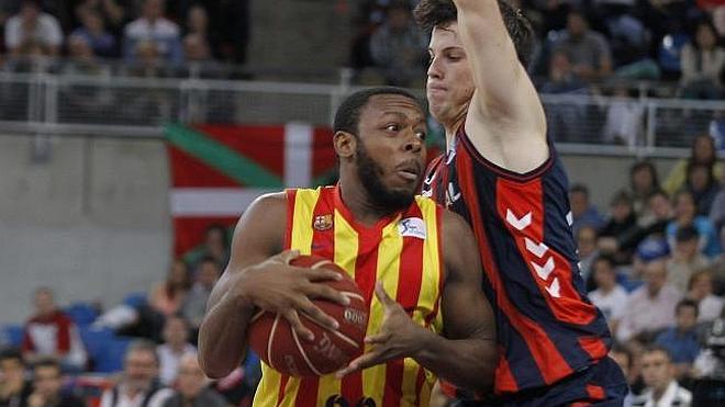 El Barça manda al Baskonia a la cuneta