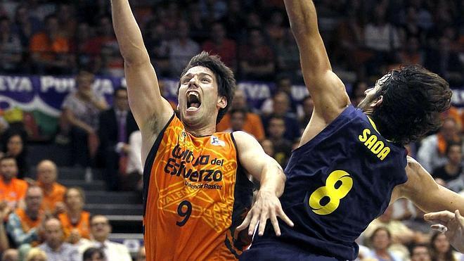 Navarro y Nachbar apagan el ímpetu del Valencia