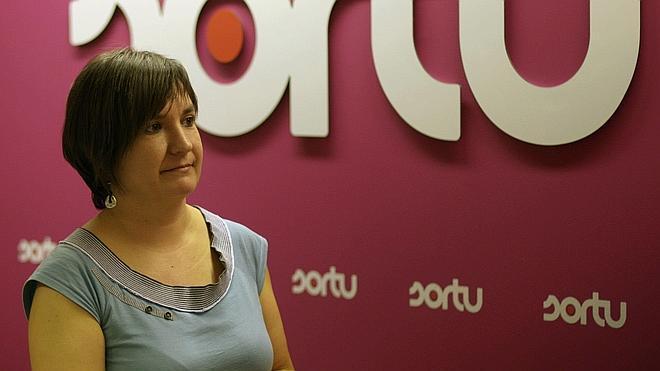 Bildu acusa a Urkullu de darle «un cheque en blanco» a Rajoy «para que siga ejerciendo la violencia contra los presos»