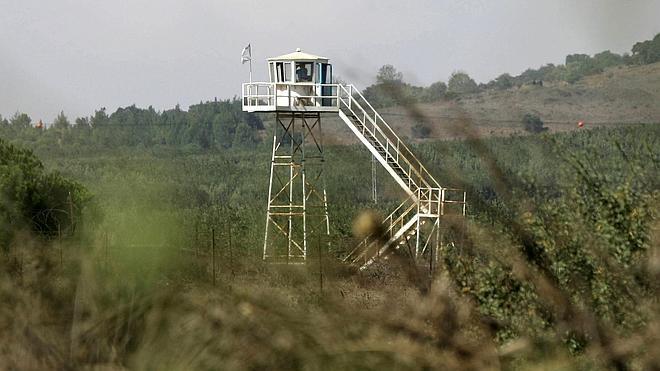Israel abre fuego contra posiciones sirias en los Altos del Golán