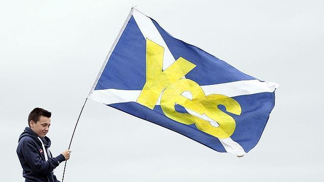 La libra se desploma por la incertidumbre sobre el futuro de Escocia