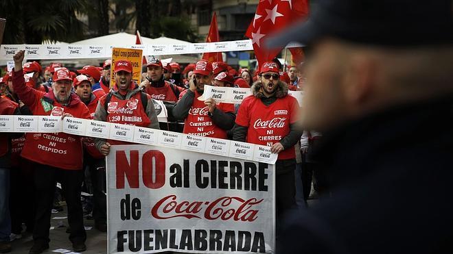 La Audiencia da cinco días a Coca-Cola para decidir si reincorpora a sus trabajadores