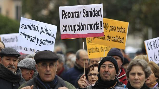 La Marea Blanca vuelve a protestar por la privatización de la sanidad