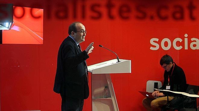 Iceta califica de «engaño» que las elecciones se planteen como un referéndum sobre la independencia