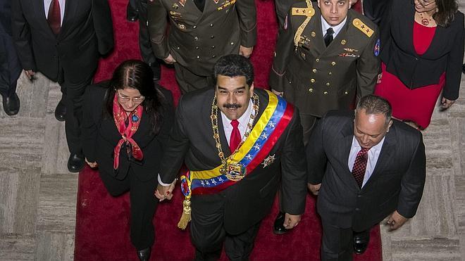 Maduro anuncia que aumentará el salario mínimo en un 15%