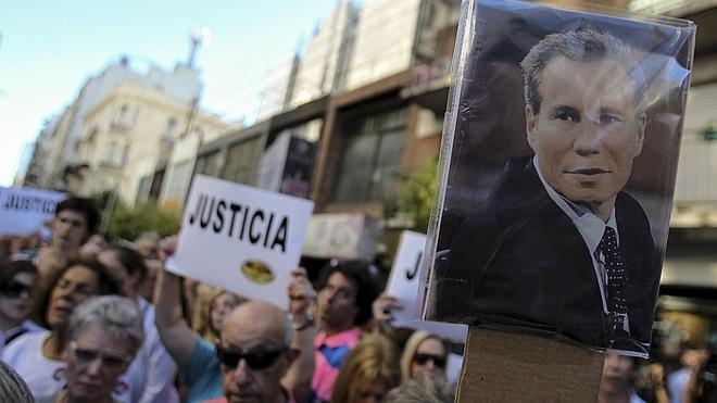 Expulsan a los agentes de Policía responsables de la seguridad de Nisman el día de su muerte