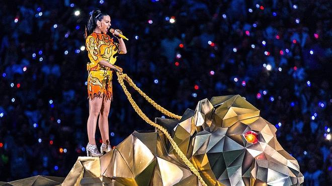 Katy Perry enciende el descanso de la Super Bowl