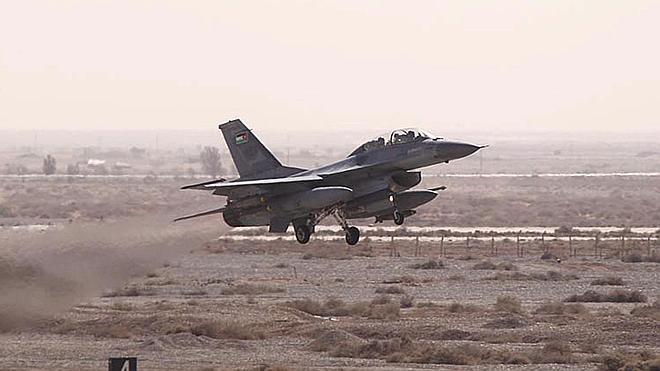 Jordania venga a su piloto bombardeando posiciones del Estado Islámico