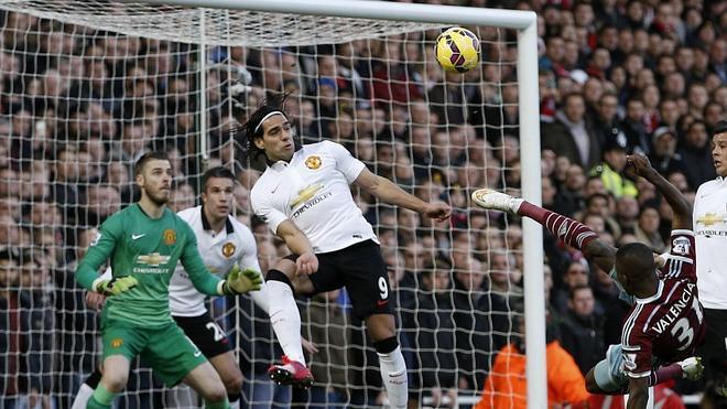 El United empata y cae hasta la cuarta posición