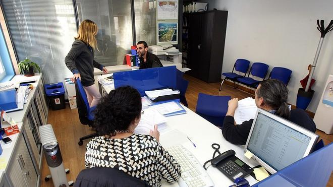 Los trabajadores fijos en España ganan un 11% más que los temporales