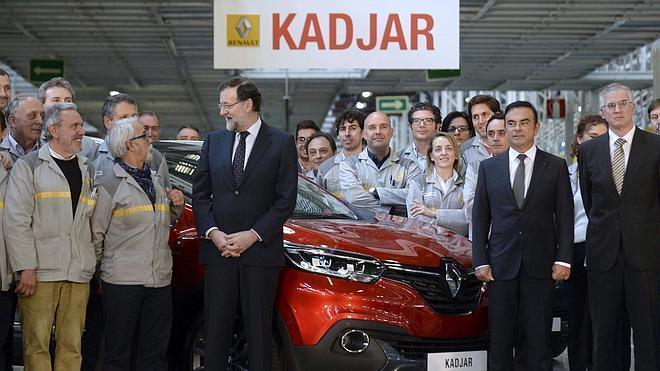 Rajoy insiste en que lo más duro de la crisis es «una triste historia pasada»