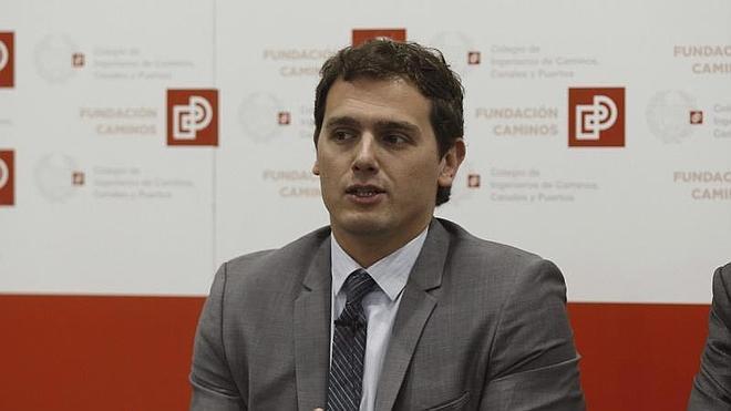 Albert Rivera propondrá la legalización de la prostitución para las generales