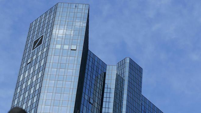 Deutsche Bank minimiza el riesgo económico de que Podemos llegue al Gobierno