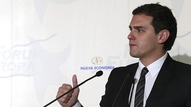 Rivera cree que la «regeneración democrática» solo puede hacerla «gente nacida en democracia»