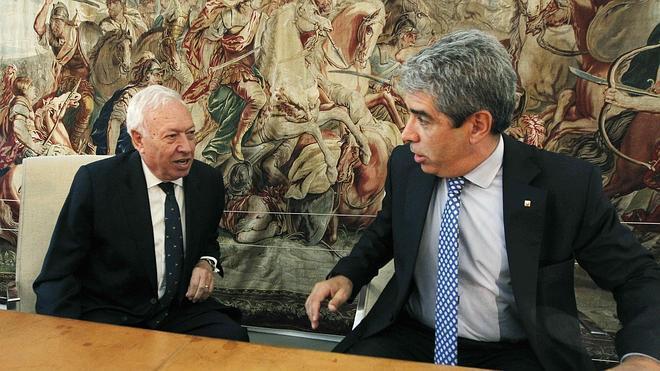 Margallo: «Una lista sin políticos sería como intentar hacer un Barça sin futbolistas»