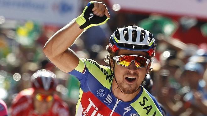 Sagan ¡por fin levanta los brazos!