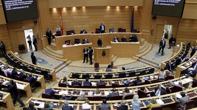 El Senado pide la liberación de presos políticos venezolanos con la abstención de Podemos